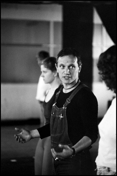 Actor, director and writer Steven Berkoff during workshop for actors in Sydney - 1975